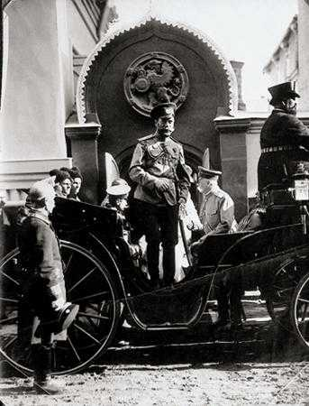 http://oldmoscow.prestige.ru/1910/1913nikolay_ii.jpg